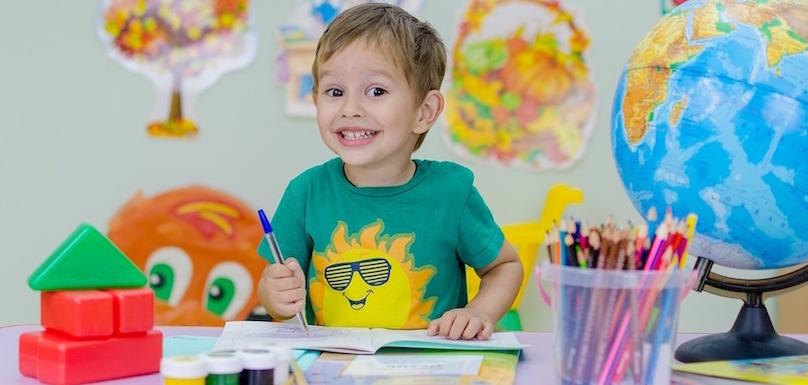 ecole-classe-enfant-rentree-scolaire-photo-Mihail_fotodeti-via-Pixabay-CC0-et-INFOSuroit