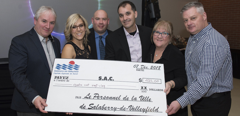 employes Ville Valleyfield remise au Service alimentaire communautaire SAC Photo SdV