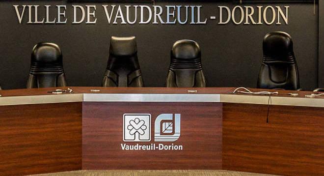 salle-du-conseil-municipal-Ville-Vaudreuil-Dorion-photo-courtoisie-VD-via-INFOSuroit_com