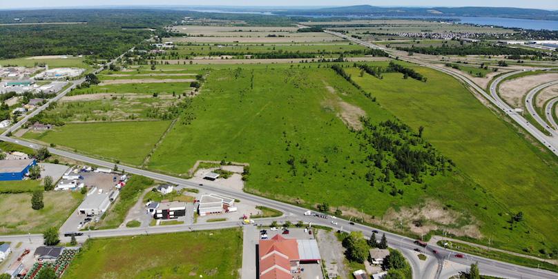 terrain du futur hopital de Vaudreuil-Soulanges pres A30 Route 340 et A40 photo courtoisie CISSSMO juill2018