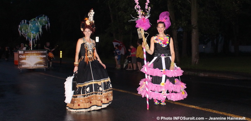 Defile-Mozaik-2018-participants-costumes-couleurs-photo-JHaineault-INFOSuroit