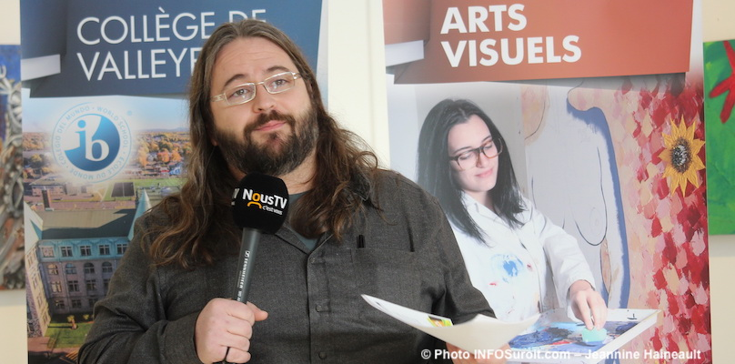 Erick_Cyr-enseignant-Cegep-valleyfield-exposition-RAS-jan2019-photo-Jeannine_Haineault-INFOSuroit