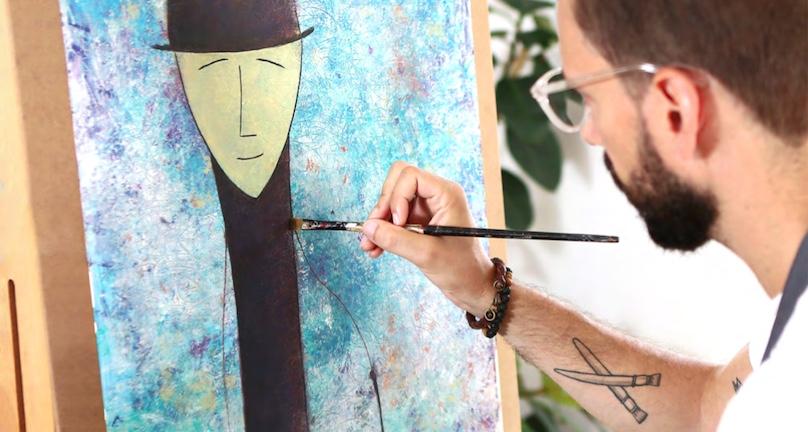 IanReidLangevin artiste avec oeuvre Cohen Photo courtoisie MRC