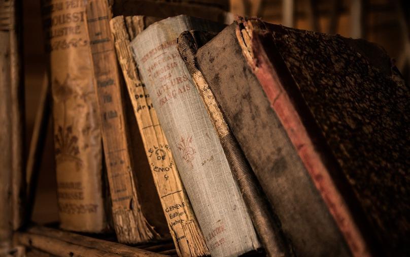 anciens vieux livres histoire photo Jarmoluk via Pixabay CC0 et INFOSuroit