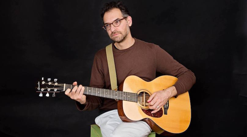 chansonnier Guillaume_Jabbour auteur compositeur interprete Photo Tanis_Saucier courtoisie