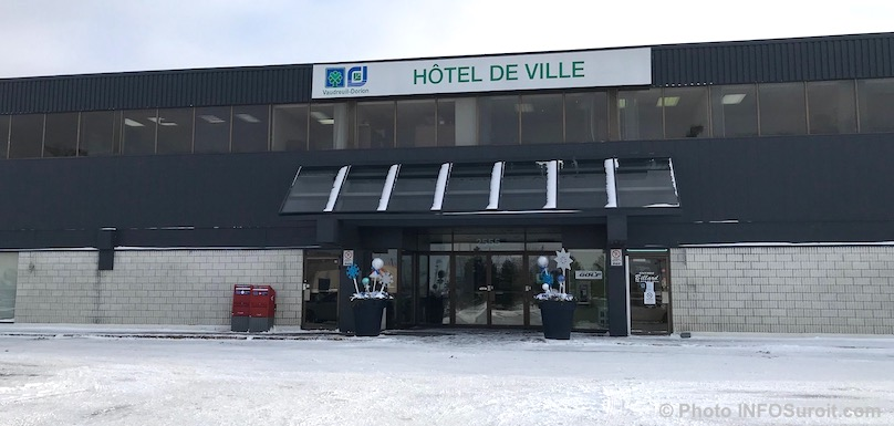 hotel de ville Vaudreuil-Dorion hiver dec2017 photo INFOSuroit_com