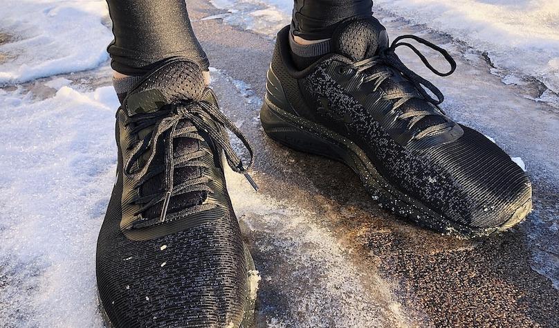 souliers de course hiver espadrilles coureur photo Wokandapix via Pixabay CC0 et INFOSuroit