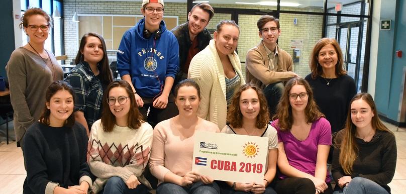 Etudiants et enseignantes sejour Cuba photo via College de Valleyfield