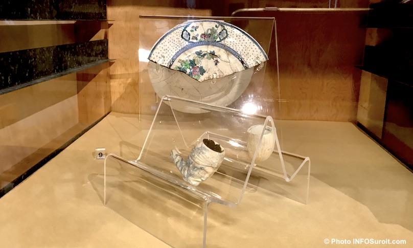 artefacts assiette et pipes Pointe-du-Buisson Musee quebecois archeologie photo INFOSuroit