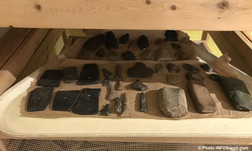 artefacts musee quebecois archeologie Pointe-du-Buisson Photo INFOSuroit_com