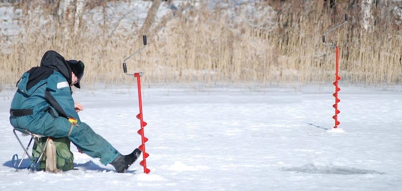 peche sur la glace hiver neige plaisir loisir photo Ullajj via Pixabay CC0 et INFOSuroit
