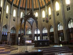 visite basilique cathedrale Sainte-Cecile Valleyfield hotel croix photo INFOSuroit
