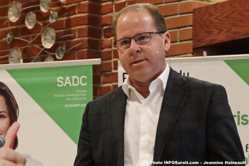 Danny_Maciocia coach Carabins football universitaire conference SADC photo JH INFOSuroit
