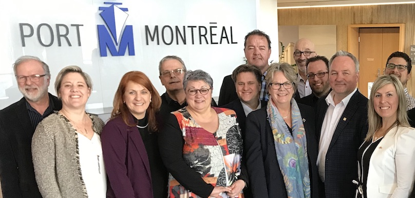 des membres du Comite_maritime UMQ dont maire BTremblay visite Port_de_Mtl photo courtoisie VB
