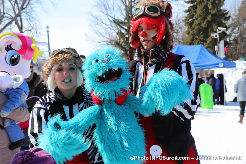 mega-fete-Valleyfield-2019-marionnette-mascotte-photo-JHaineault-INFOSuroit