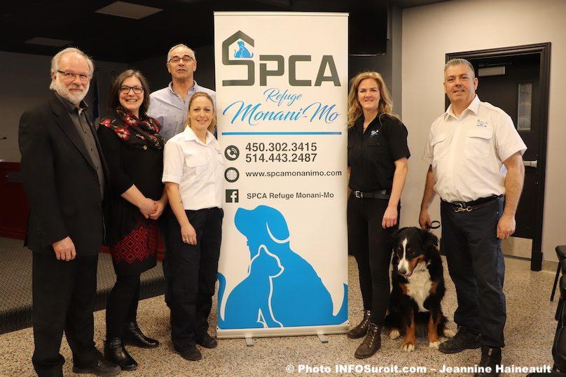 membres du conseil Ville Beauharnois avec equipe SPCA mars2019 photo JH INFOSuroit