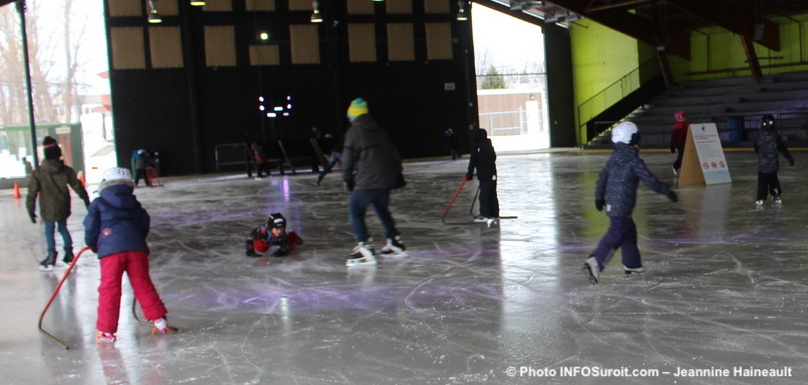 patinage agora Chateauguay glace familles photo JHaineault INFOSuroit