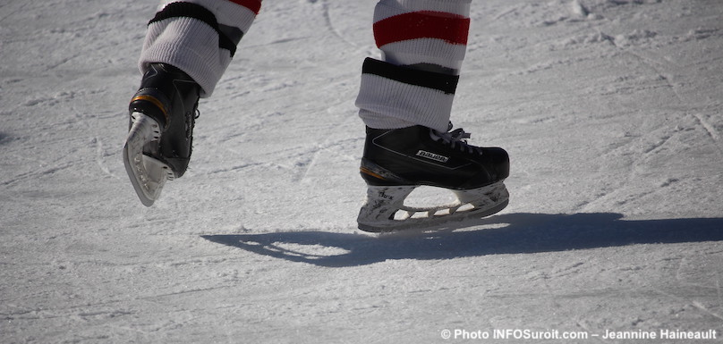 patins-patinage-glace-hiver-patinoire-photo-Jeannine_Haineault-INFOSuroit
