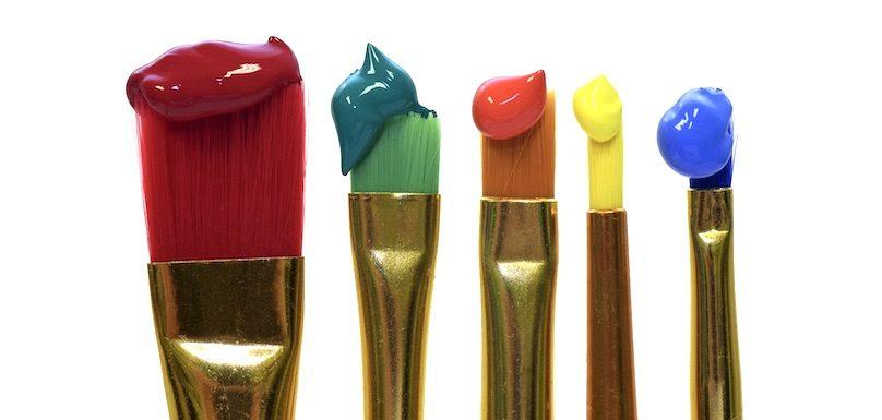 peinture pinceaux couleurs photo Ulleo via Pixabay CC0 et INFOSuroit