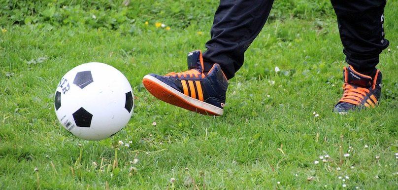 sport loisir soccer ballon enfant photo Myriams-Fotos via Pixabay et INFOSuroit