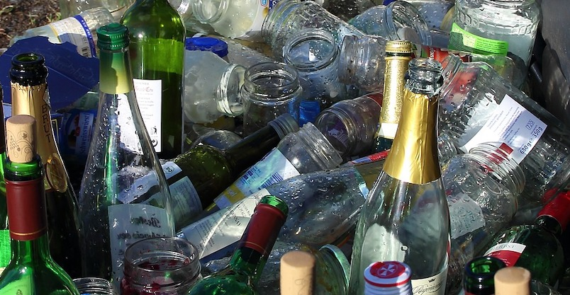 verre pots et bouteilles recyclage environnement photo Meineresterampe via Pixabay et INFOSuroit