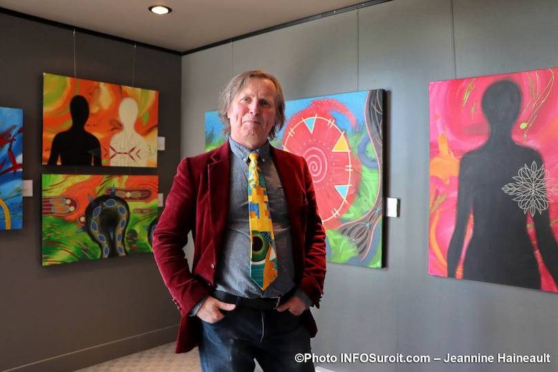 artiste Stephan_Daigle expo galerie MRC a Beauharnois photo JH INFOSuroit