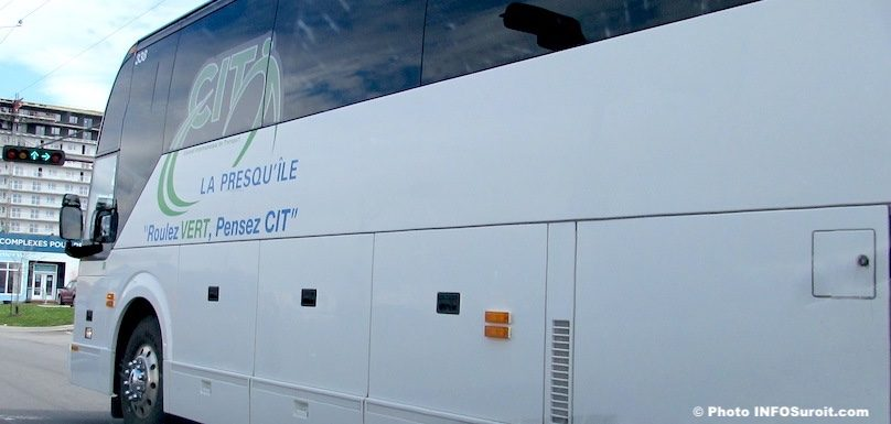 autobus Vaudreuil-Dorion sur Boul de la Gare photo INFOSuroit