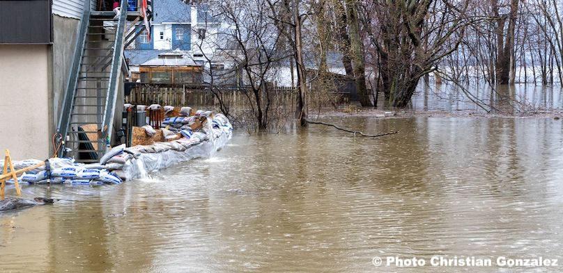 inondations Vaudreuil-Dorion secteur avenue St-Charles copyright photo Christian_Gonzalez