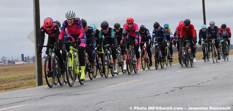 velo cyclistes femmes Grand Prix Ste-Martine 2019 photo JH INFOSuroit