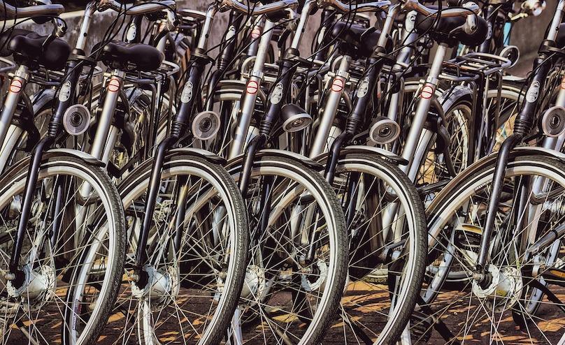 bicyclettes velo roues photo Suju via Pixabay et INFOSuroit