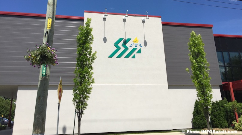 embleme Saint-Stanislas-de-Kostka au Centre municipal photo INFOSuroit