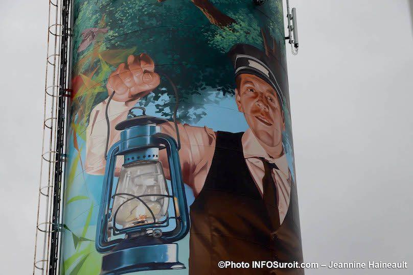 chef de train sur tour d_eau Vaudreuil-Dorion photo JH INFOSuroit