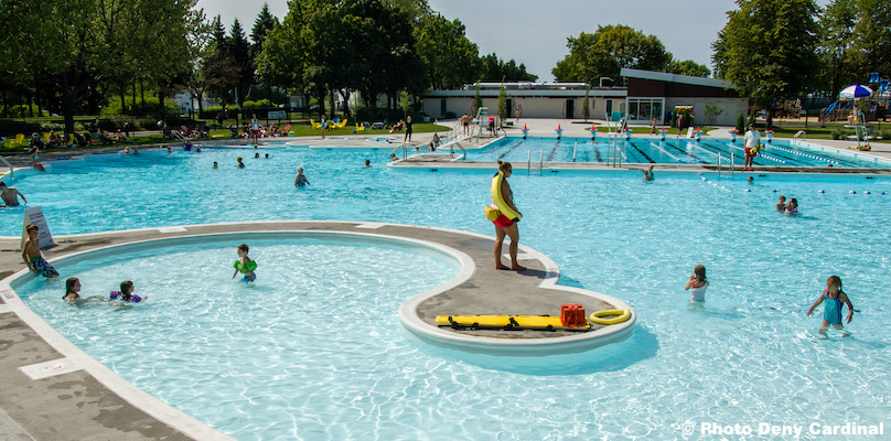 complexe aquatique Valleyfield piscine sauveteur baigneurs photo Deny_Cardinal via SdV