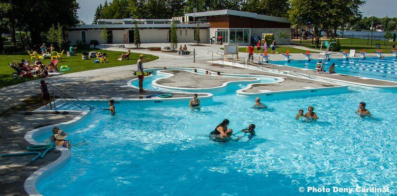 complexe aquatique parc Delpha-Sauve Valleyfield piscine baigneurs photo Deny_Cardinal via SdV
