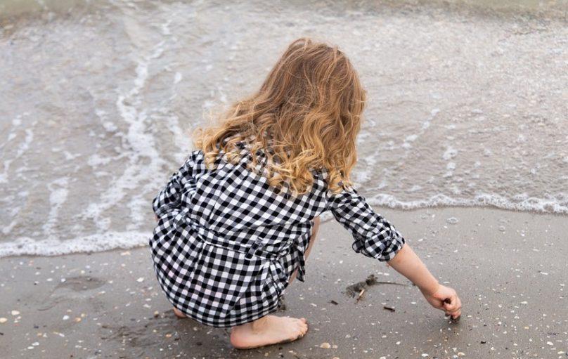 petite fille enfant plage photo LauraLucia via Pixabay et INFOSuroit