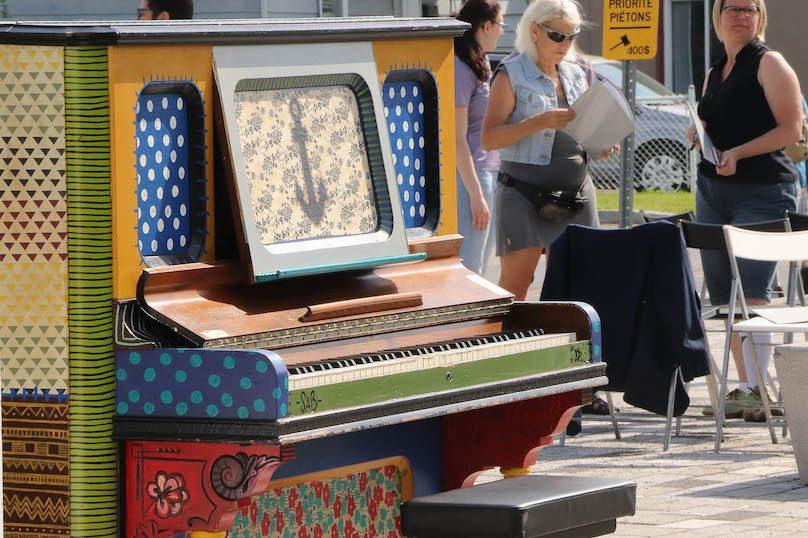 piano public pont Jean_de-LaLande Valleyfield activites estivales photo JH INFOSuroit