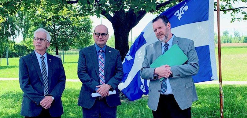 president Commission scolaire FMooijekind depute Beauharnois CReid et dg CSVT MGirard photo bureau CReid