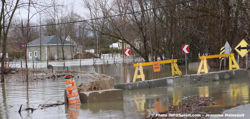 route barree inondations Rigaud 2019 photo JHaineault INFOSuroit