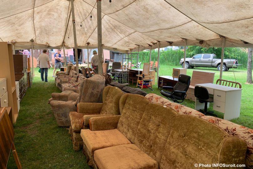bazar St-Louis-de-Gonzague 2019 meubles photo INFOSuroit