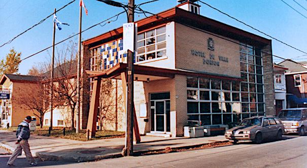 hotel de ville de Dorion 190 ave St-Charles en 1991 photo Centre archives Vaudreuil-Soulanges