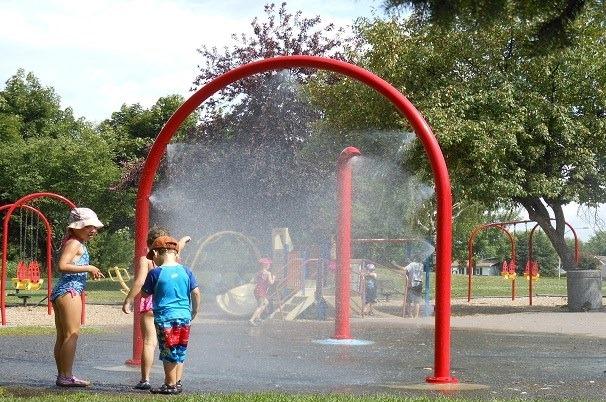 jeux d_eau parc de la Ville de Chateauguay photo courtoisie Ville Chateauguay