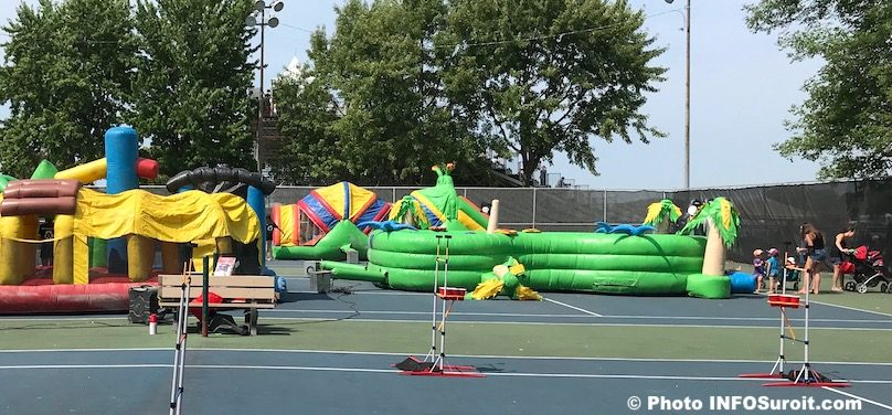 jeux gonflables zone familles Regates de Valleyfield 2018 photo INFOSuroit