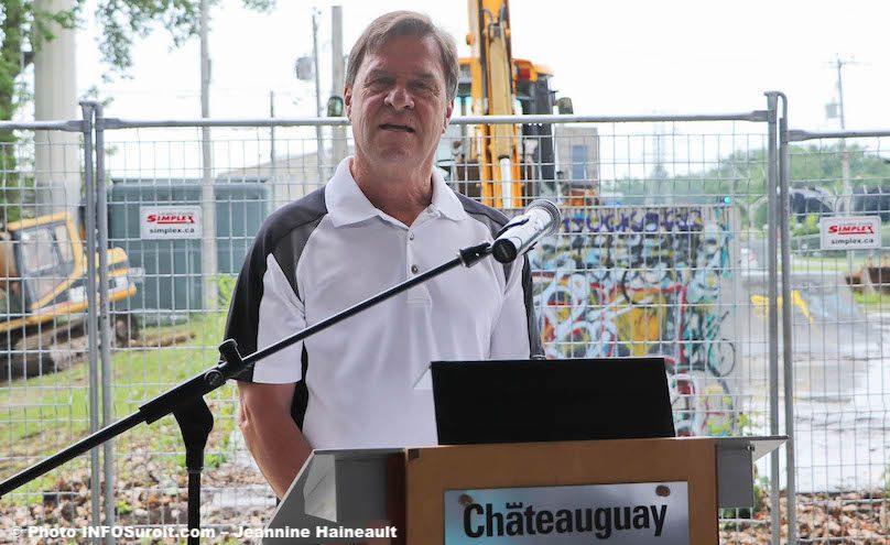 maire Chateauguay Pierre-Paul_Routhier pour nouveau skatepark juil2019 photo JH INFOSuroit