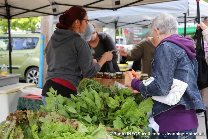 salades carottes Marche fermier Huntingdon 2019 photo JH INFOSuroit