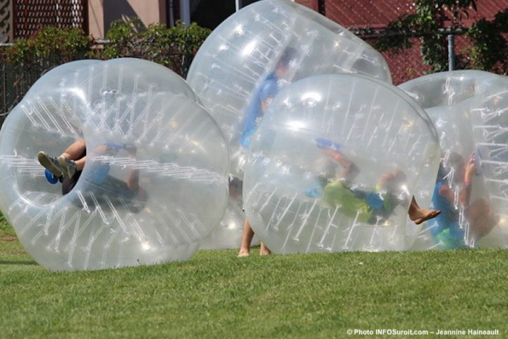 bubble soccer enfants jeux photo Jeannine_Haineault INFOSuroit