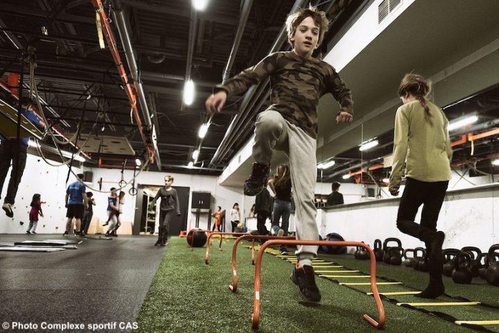 enfant course obstacles salle multifonctionnelle-ninja-parent-enfant mars2019 photo CAS
