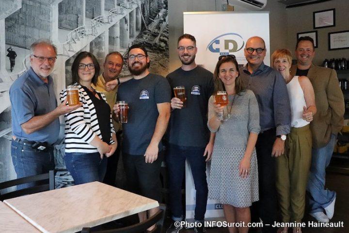 inauguration microbrasserie la centrale a Beauharnois promoteurs CLD MRC et partenaires photo JH INFOSuroit