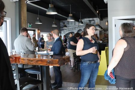 invites lancement microbrasserie la Centrale a beauharnois photo JH INFOSuroit