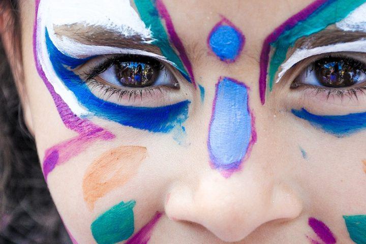 maquillage enfant petite fille photo Jeux-de-filles via Pixabay et INFOSuroit