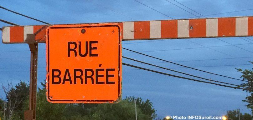 signalisation panneau rue_barree detour photo INFOSuroit